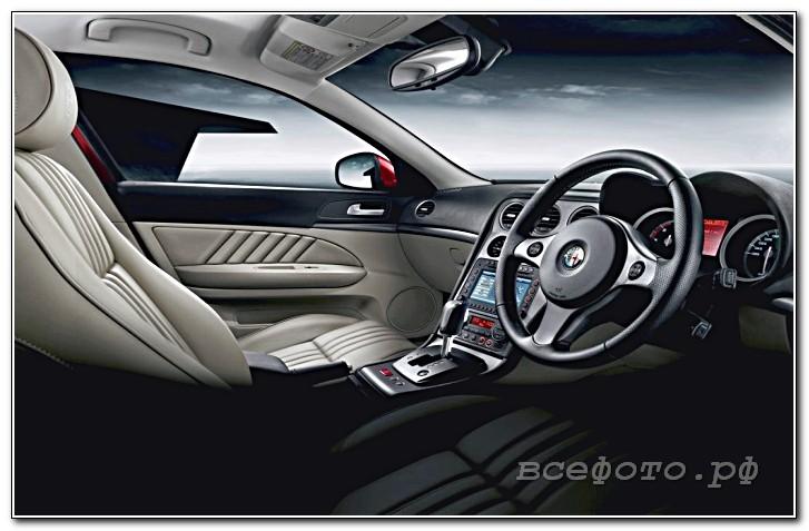 12 - Alfa Romeo