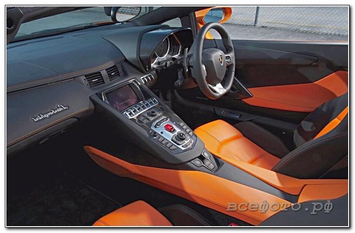 12 - Lamborghini