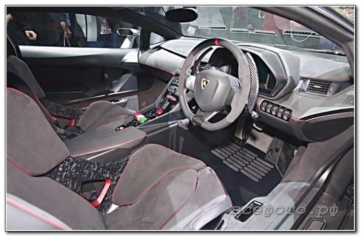 22 - Lamborghini
