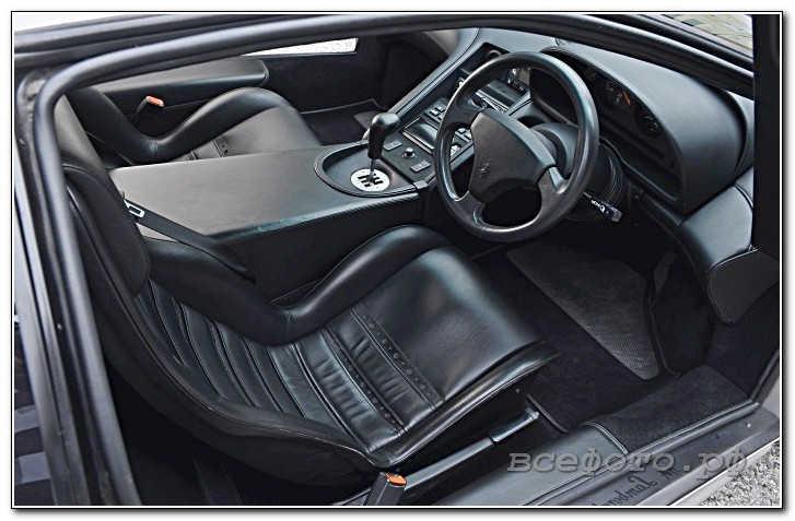35 - Lamborghini