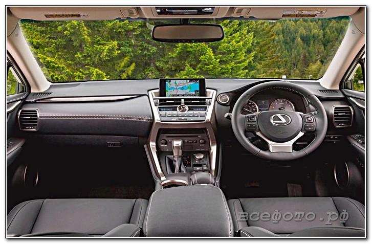 16 - Lexus