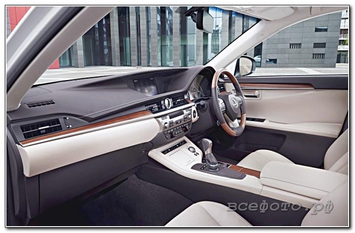 23 - Lexus