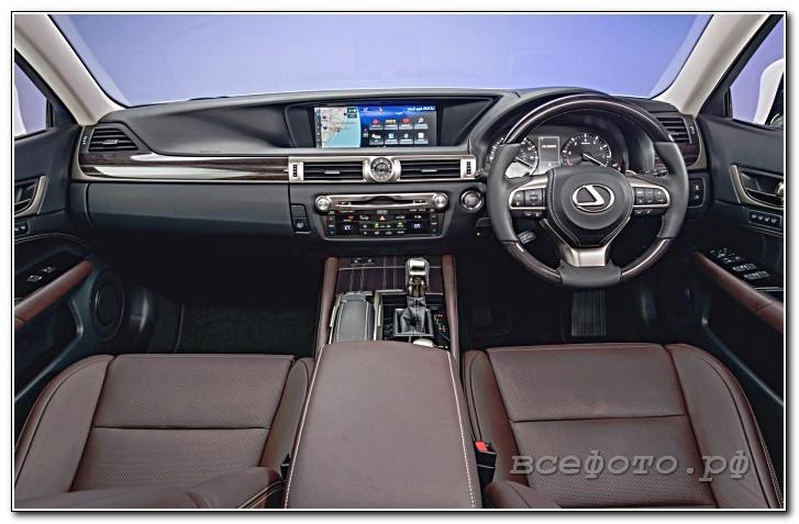 35 - Lexus