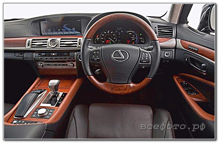43 - Lexus