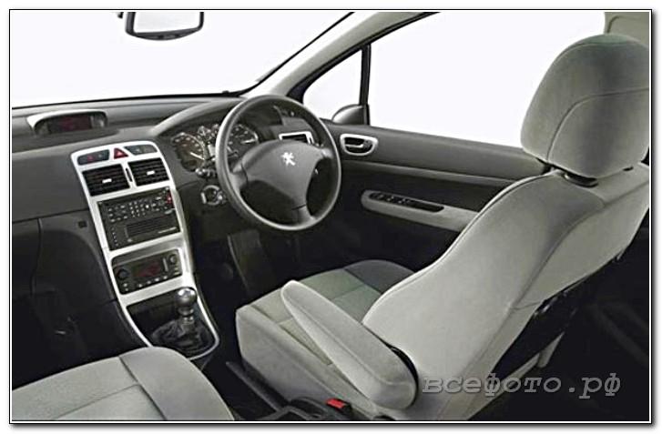 28 - Peugeot