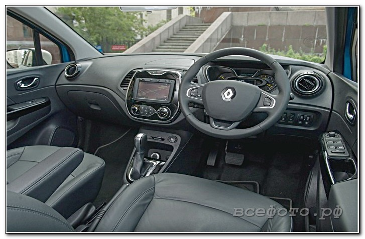 25 - Renault
