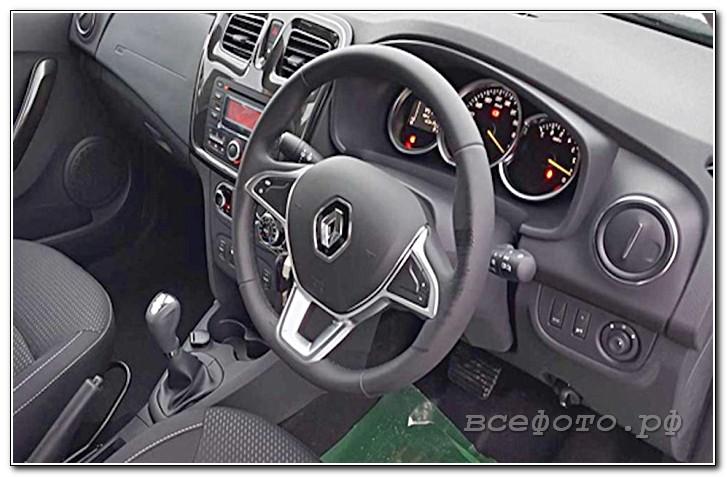 28 - Renault