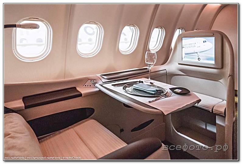 10 768x512 - Самолет