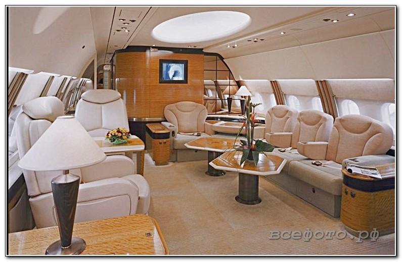 12 768x492 - Самолет